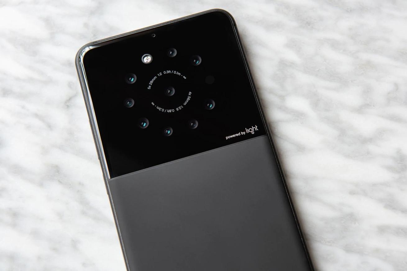 Light está trabajando en un prototipo de nueve cámaras smartphone
