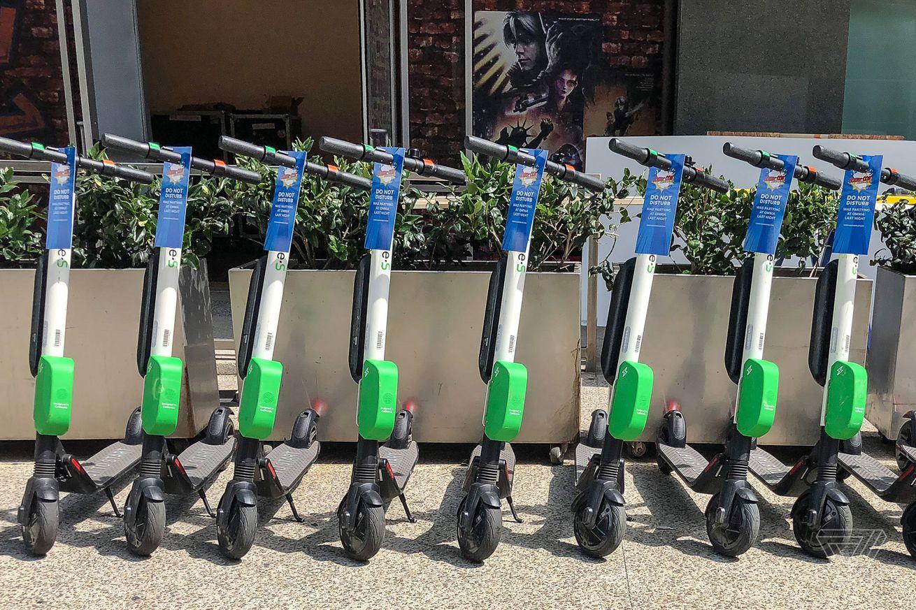 Las compañías de scooters están tratando de rehabilitar su reputación a medida que las ciudades toman medidas enérgicas
