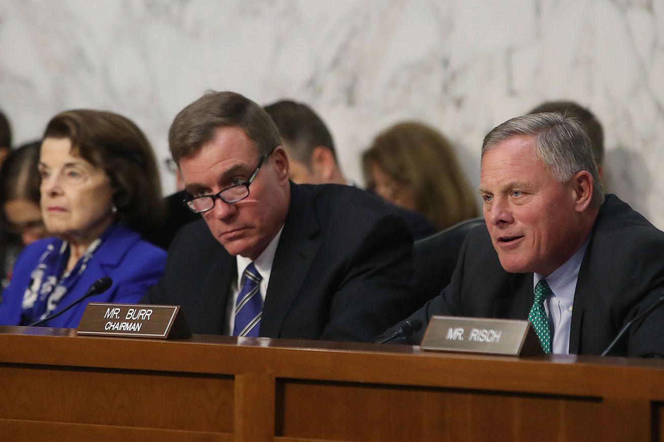 Senadores reventan a Google por falta de audición en operaciones de influencia extranjera